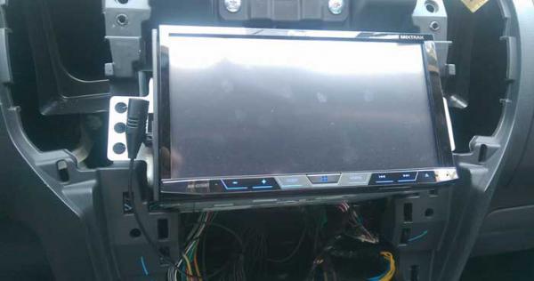 dvd-pioneer-avh-x5850bt-cho-xe-isuzu-d-max-10