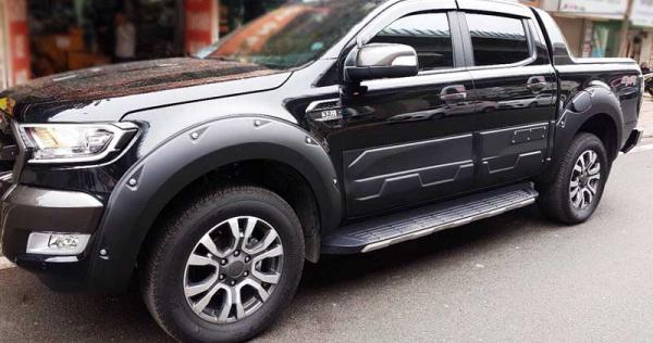op-cua-lop-dinh-cho-ford-ranger