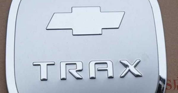 op-nap-binh-xang-ma-crom-chevrolet-trax-1