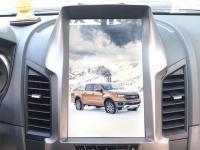 man-hinh-dvd-theo-xe-ford-ranger-1