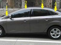 nep-vien-khung-kinh-tren-ford-focus-1