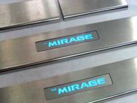 op-bac-cua-co-den-cho-mitsubishi-mirage-mau02-2
