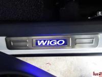 op-bac-cua-co-led-cho-toyota-wigo-m01-3
