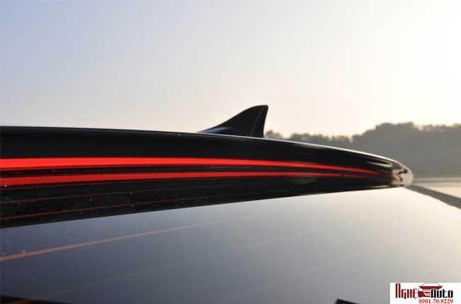 Đuôi gió trên xe Hyundai Avante